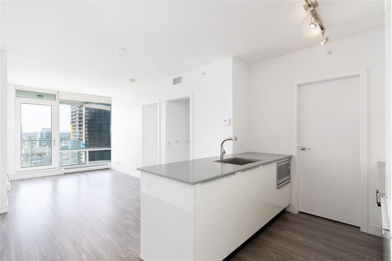 Main Photo: 2807 1283 HOWE Street in Vancouver: Downtown VW Condo for sale (Vancouver West)  : MLS®# R2498144