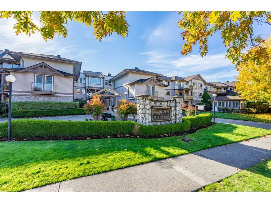 """Main Photo: 315 22150 48 Avenue in Langley: Murrayville Condo for sale in """"Eaglecrest"""" : MLS®# R2514880"""