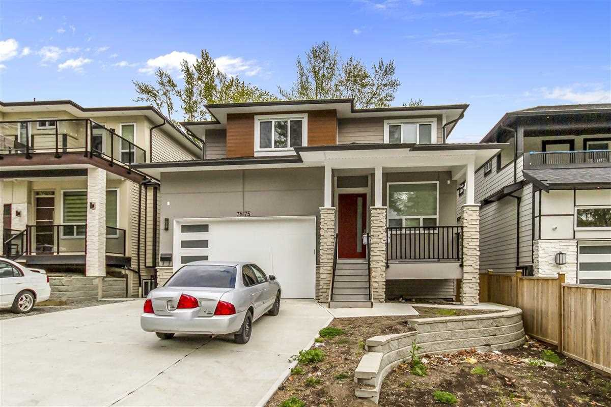 Main Photo: 7875 CEDAR Street in Mission: Mission BC House for sale : MLS®# R2452109
