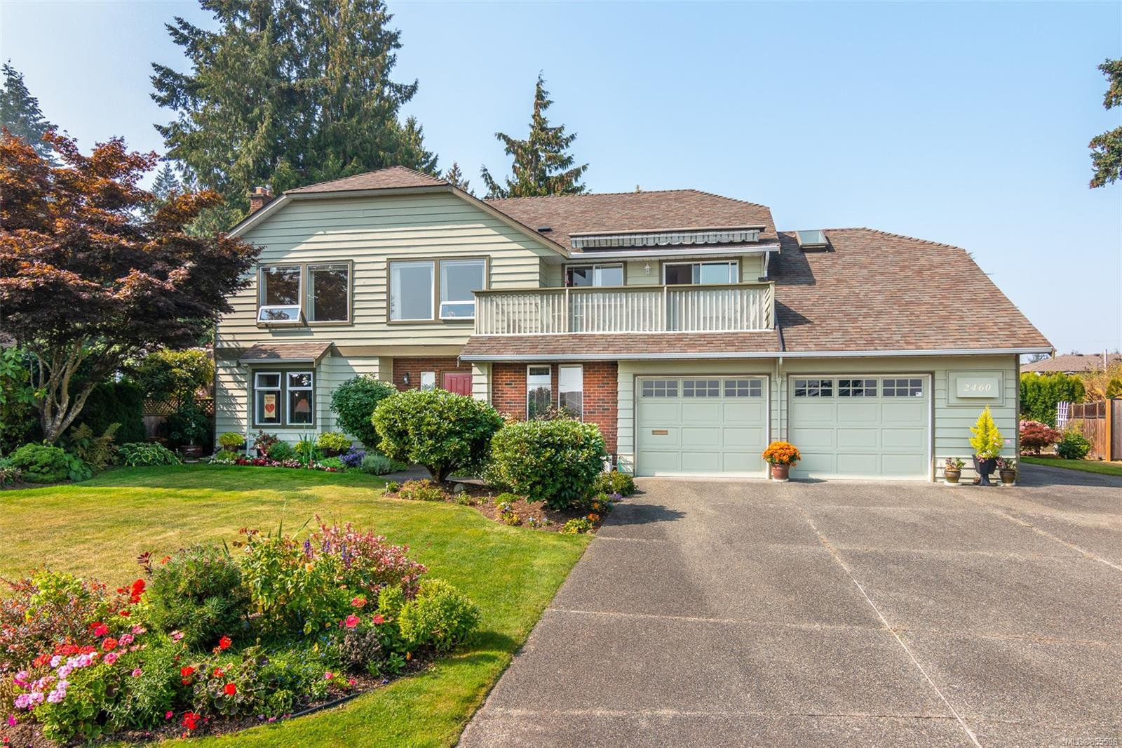 Main Photo: 2460 Costa Vista Pl in : CS Tanner Single Family Detached for sale (Central Saanich)  : MLS®# 855596