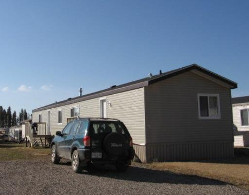 "Main Photo: 38 5701 AIRPORT Road in Fort_Nelson: Fort Nelson -Town Manufactured Home for sale in ""SOUTHRIDGE"" (Fort Nelson (Zone 64))  : MLS®# N180478"