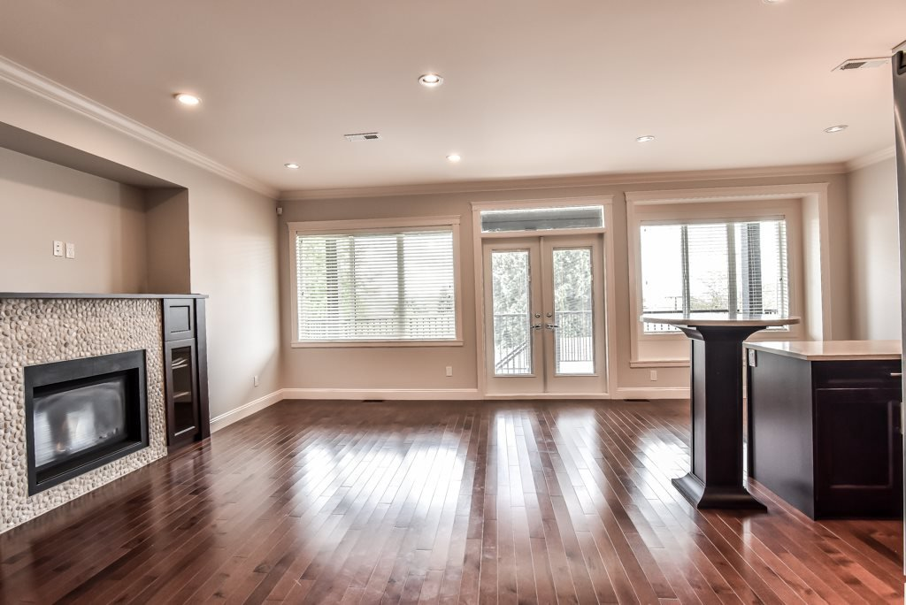 Photo 8: Photos: 950 DELESTRE Avenue in Coquitlam: Maillardville House 1/2 Duplex for sale : MLS®# R2426856