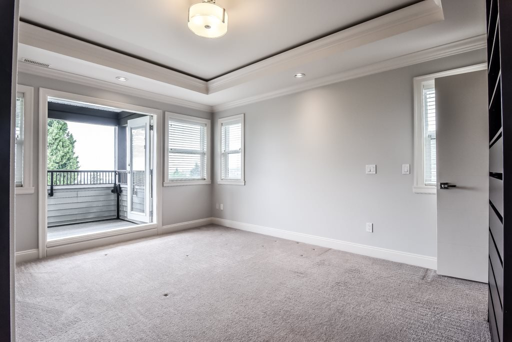 Photo 12: Photos: 950 DELESTRE Avenue in Coquitlam: Maillardville House 1/2 Duplex for sale : MLS®# R2426856