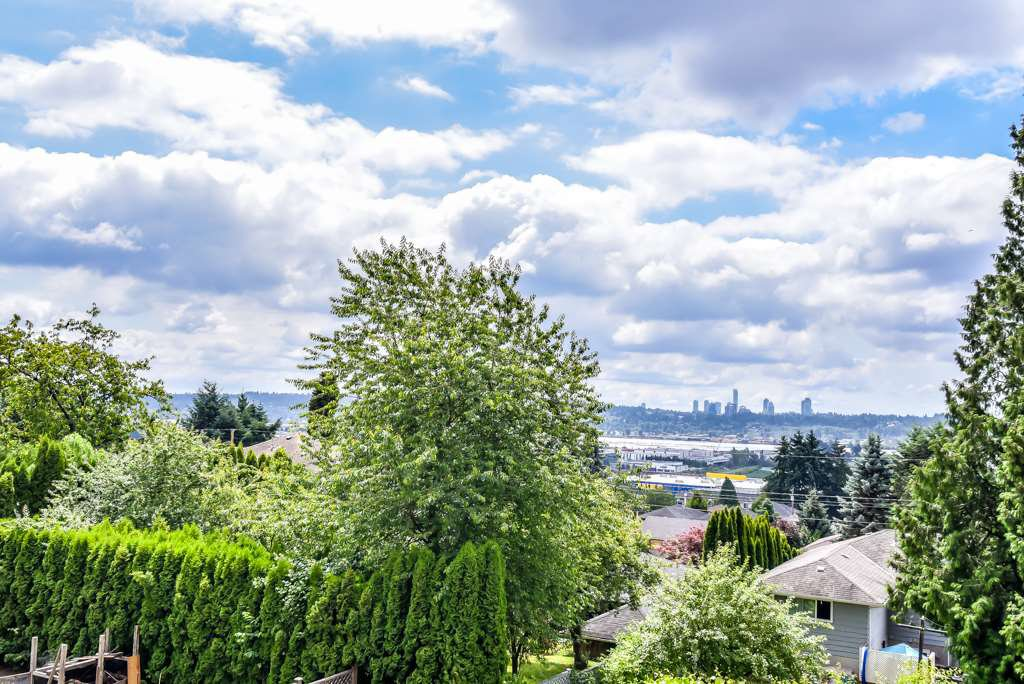 Photo 15: Photos: 950 DELESTRE Avenue in Coquitlam: Maillardville House 1/2 Duplex for sale : MLS®# R2426856
