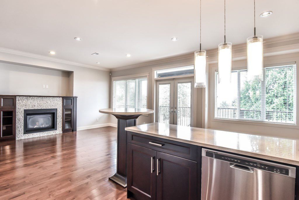 Photo 4: Photos: 950 DELESTRE Avenue in Coquitlam: Maillardville House 1/2 Duplex for sale : MLS®# R2426856
