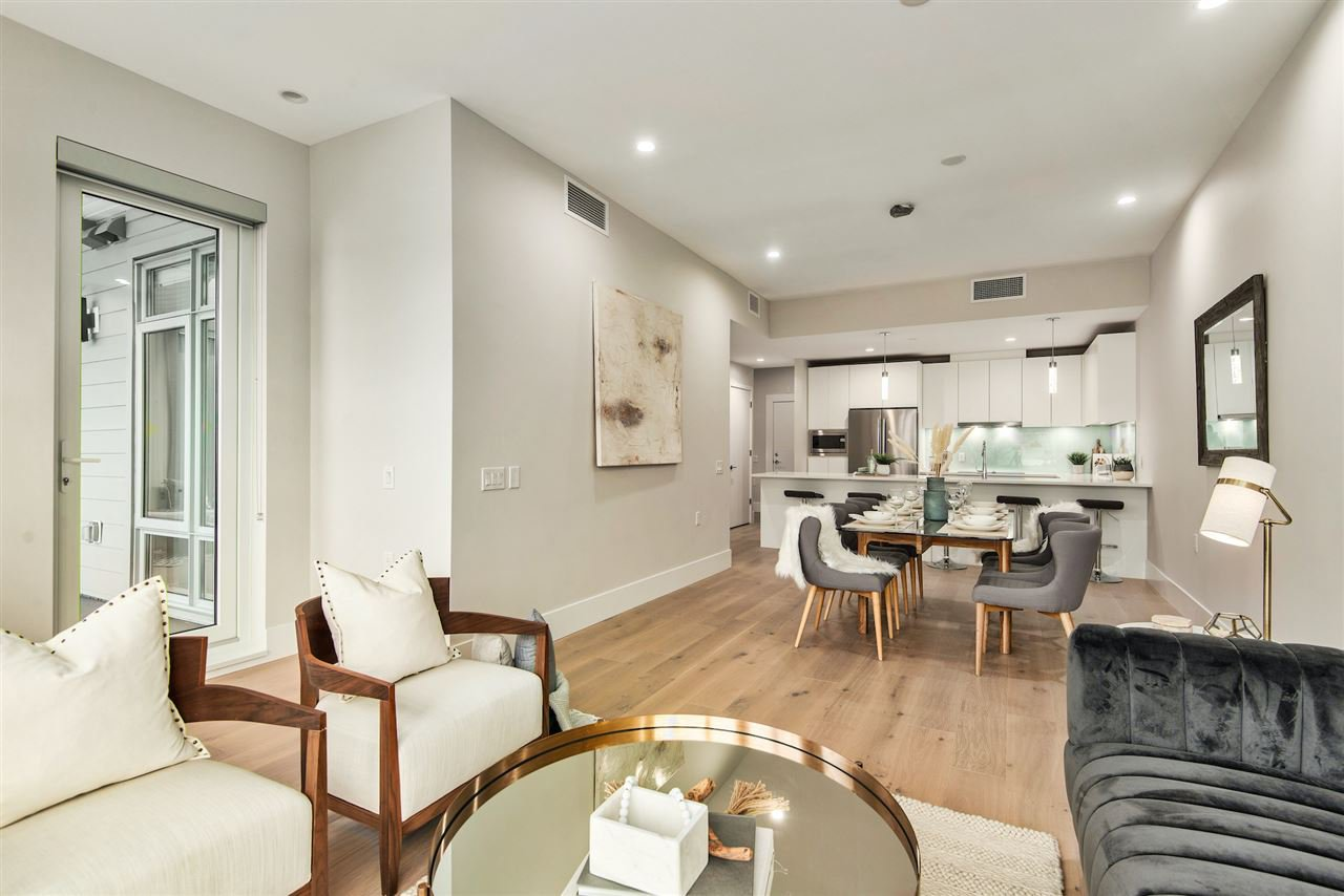 """Main Photo: PH4 1591 BOWSER Avenue in North Vancouver: Norgate Condo for sale in """"Chelsea Mews"""" : MLS®# R2432414"""