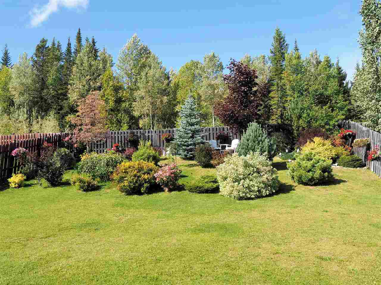Photo 3: Photos: 7627 GRAYSHELL Road in Prince George: St. Lawrence Heights House for sale (PG City South (Zone 74))  : MLS®# R2438648