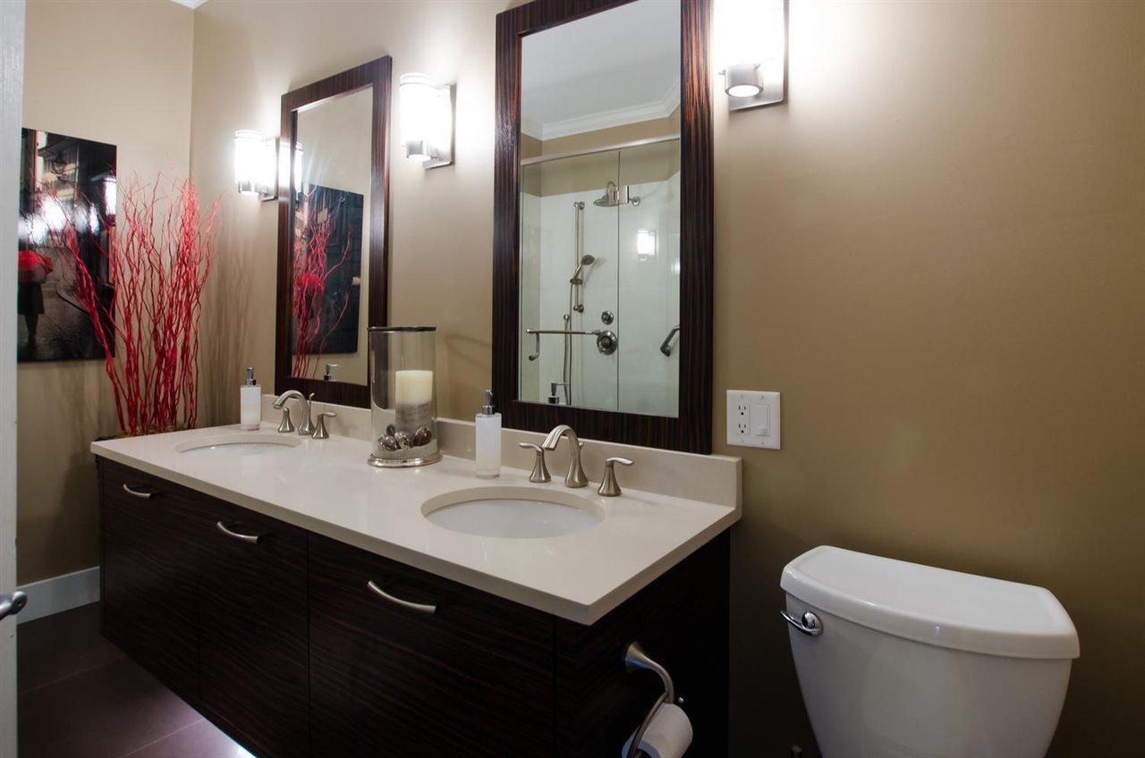 "Photo 12: Photos: 306 1153 54A Street in Delta: Tsawwassen Central Condo for sale in ""HERON PLACE"" (Tsawwassen)  : MLS®# R2451113"