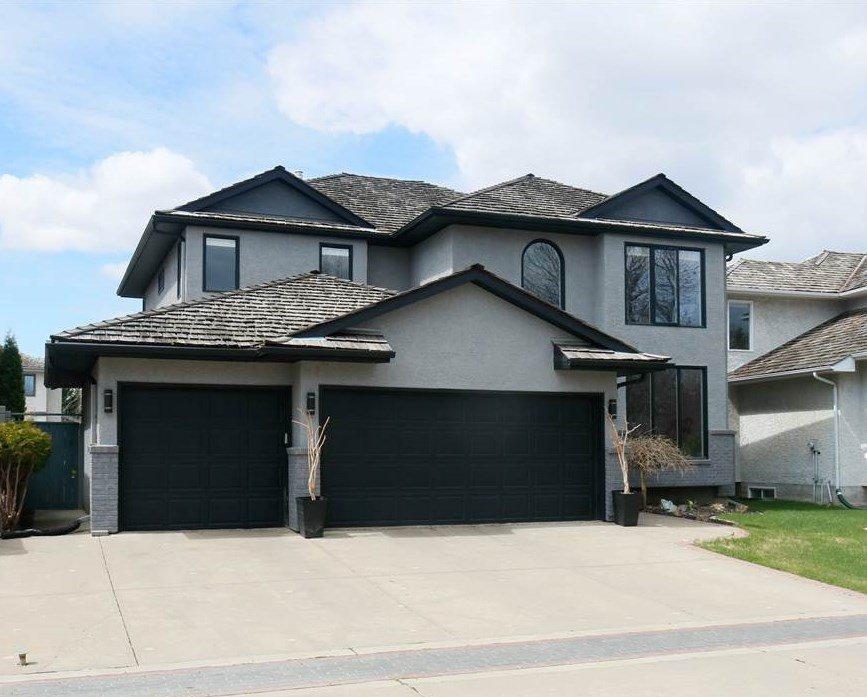 Main Photo: 92 WILKIN Road in Edmonton: Zone 22 House for sale : MLS®# E4197033