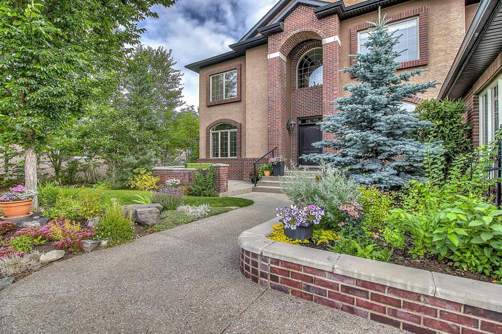 Main Photo: 72 DISCOVERY VALLEY Cove SW in Calgary: Discovery Ridge Detached for sale : MLS®# A1020097
