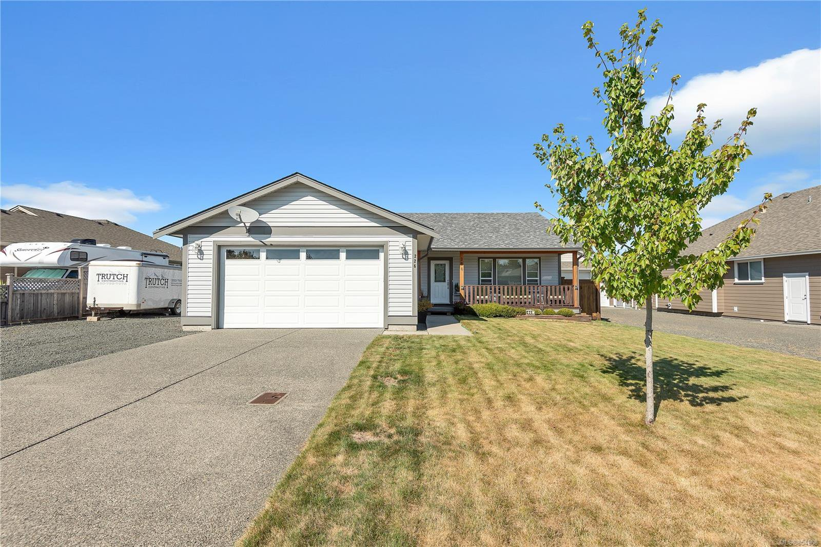 Main Photo: 226 W Brind'Amour Dr in : CR Willow Point House for sale (Campbell River)  : MLS®# 854968