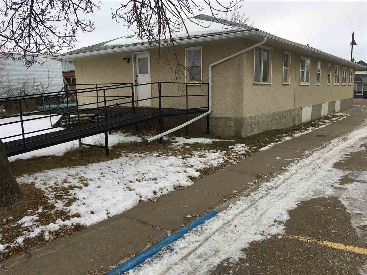 Main Photo: 5321 50 Street: Tofield Office for sale : MLS®# E4223390