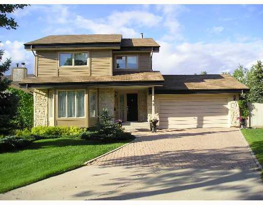 Main Photo: 43 WOODCHESTER Bay in WINNIPEG: Murray Park Single Family Detached for sale (South Winnipeg)  : MLS®# 2710739
