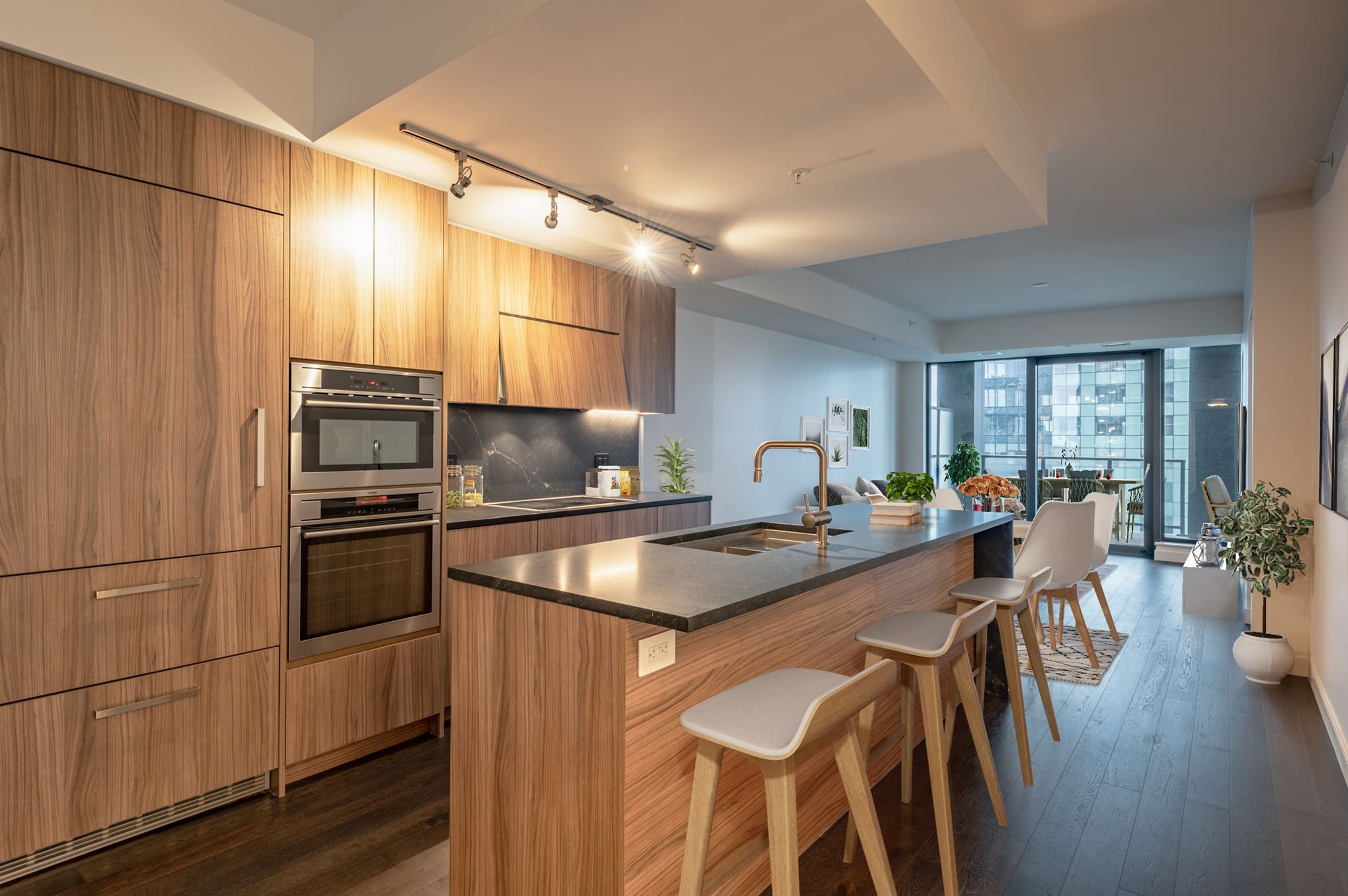 Main Photo: 1801 1650 Granville Street in Halifax: 2-Halifax South Residential for sale (Halifax-Dartmouth)  : MLS®# 202100503