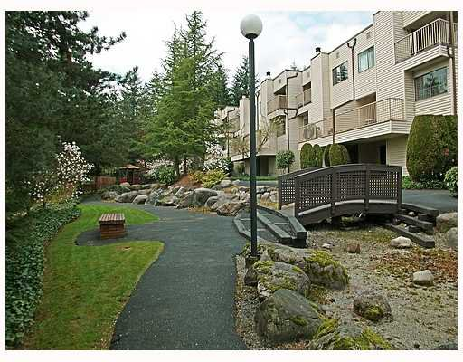 "Main Photo: 116 1210 FALCON Drive in Coquitlam: Upper Eagle Ridge Townhouse for sale in ""FERNLEAF PLACE"" : MLS®# V702864"