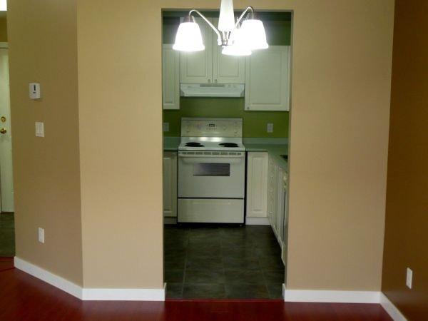 Photo 7: Photos: #113-12769 72nd Avenue in Surrey: Condo for sale