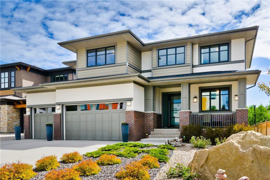 Main Photo: 22 WEXFORD Way SW in Calgary: West Springs Detached for sale : MLS®# C4258447