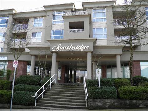 Main Photo: 408 22230 NORTH AVENUE in Maple Ridge: Home for sale : MLS®# V935346