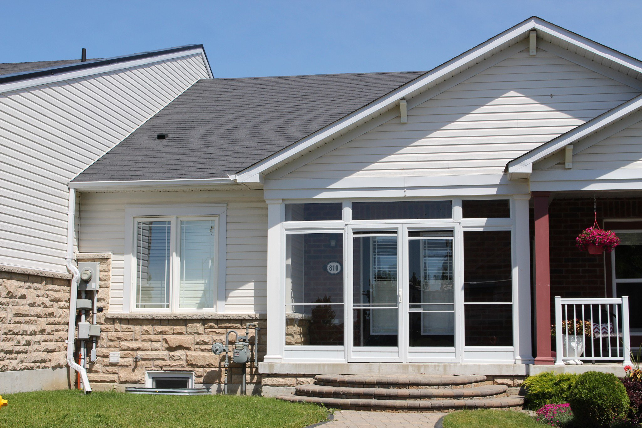 Main Photo: 810 Carlisle Street in Cobourg: Residential Attached for sale : MLS®# 264304