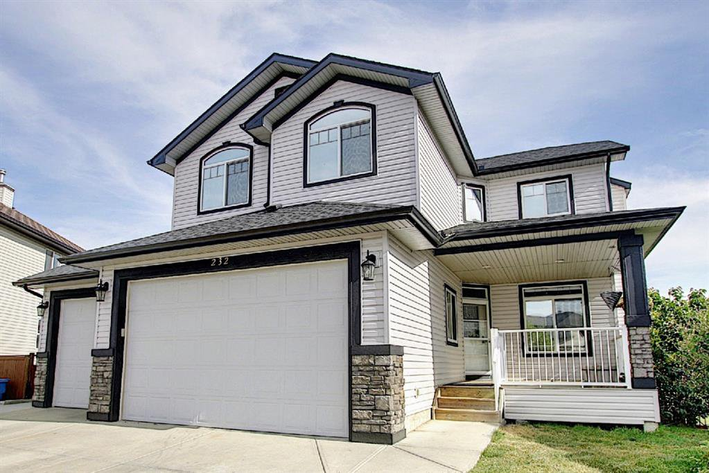 Main Photo: 232 West Creek Court: Chestermere Detached for sale : MLS®# A1035856