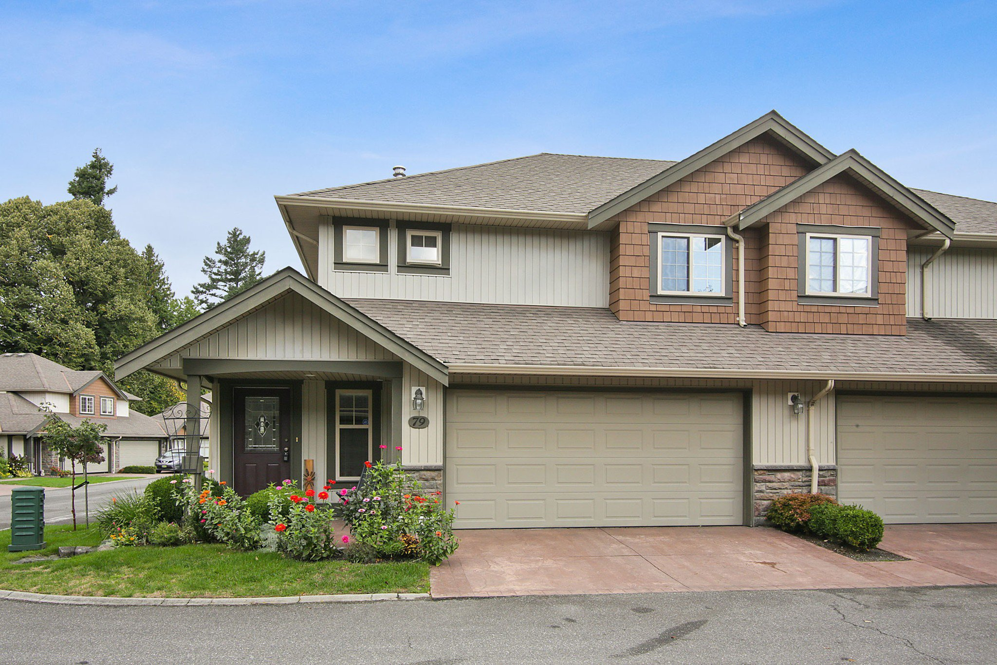 """Main Photo: 79 6887 SHEFFIELD Way in Chilliwack: Sardis East Vedder Rd Townhouse for sale in """"PARKSFIELD"""" (Sardis)  : MLS®# R2507804"""