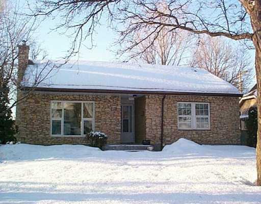Main Photo: 925 OAKENWALD Avenue in Winnipeg: Fort Garry / Whyte Ridge / St Norbert Single Family Detached for sale (South Winnipeg)  : MLS®# 2703586