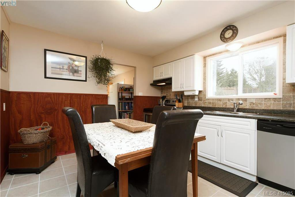 Photo 6: Photos: 2271 N French Rd in SOOKE: Sk Broomhill House for sale (Sooke)  : MLS®# 823370
