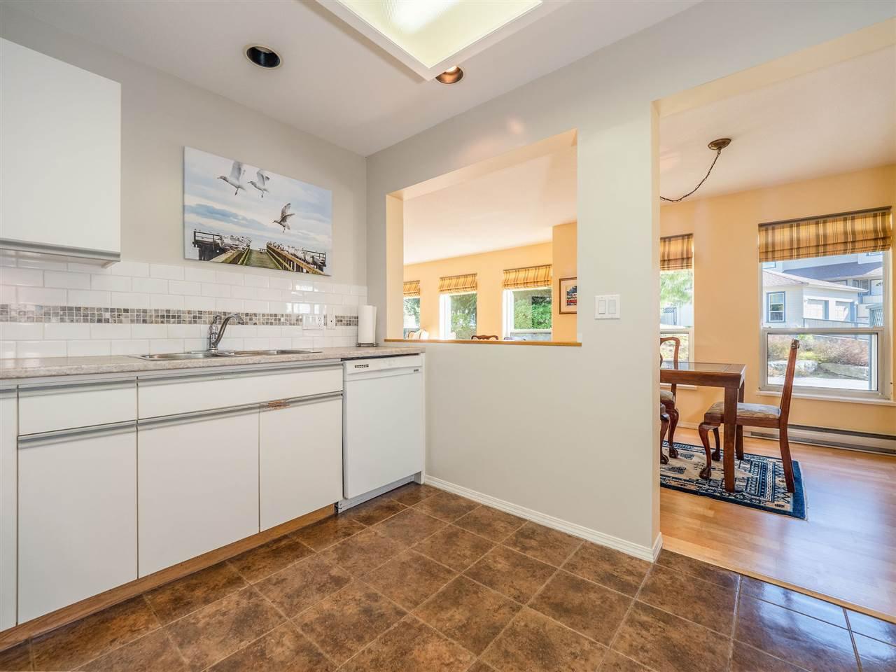 "Photo 7: Photos: 105 5768 MARINE Way in Sechelt: Sechelt District Condo for sale in ""Cypress Ridge"" (Sunshine Coast)  : MLS®# R2446337"