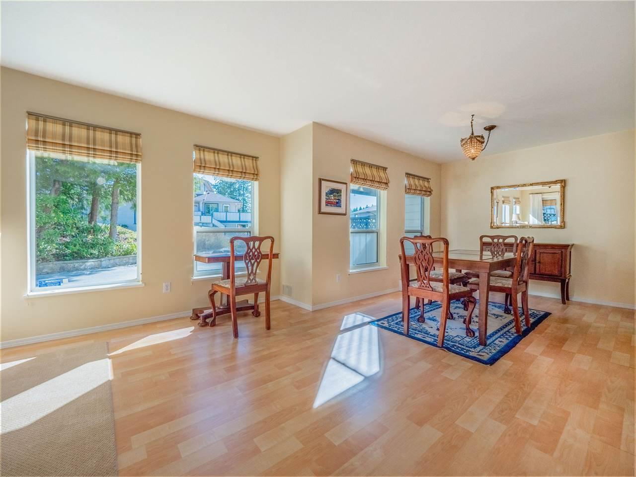 "Photo 5: Photos: 105 5768 MARINE Way in Sechelt: Sechelt District Condo for sale in ""Cypress Ridge"" (Sunshine Coast)  : MLS®# R2446337"