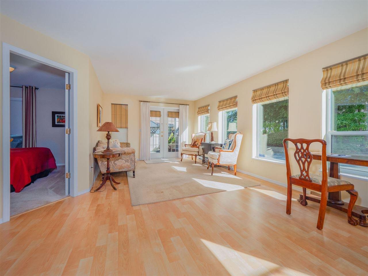 "Photo 4: Photos: 105 5768 MARINE Way in Sechelt: Sechelt District Condo for sale in ""Cypress Ridge"" (Sunshine Coast)  : MLS®# R2446337"
