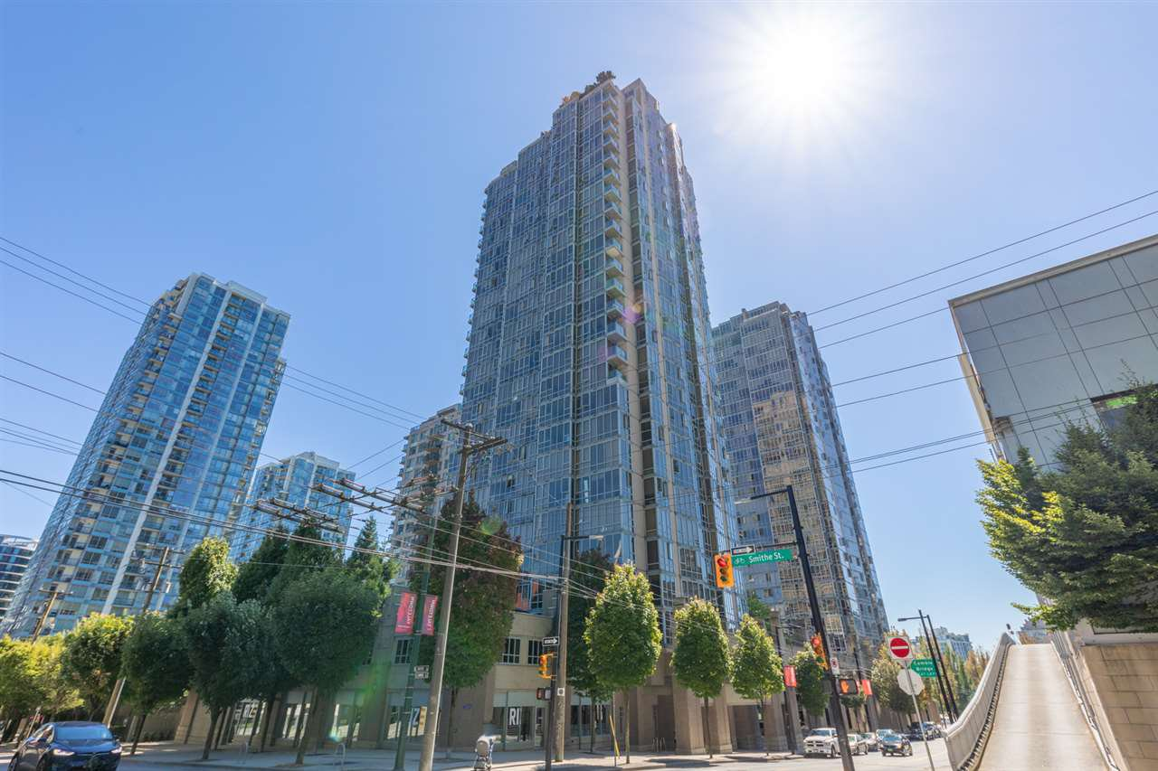 """Main Photo: 506 930 CAMBIE Street in Vancouver: Yaletown Condo for sale in """"PACIFIC PLACE LANDMARK 2"""" (Vancouver West)  : MLS®# R2524345"""