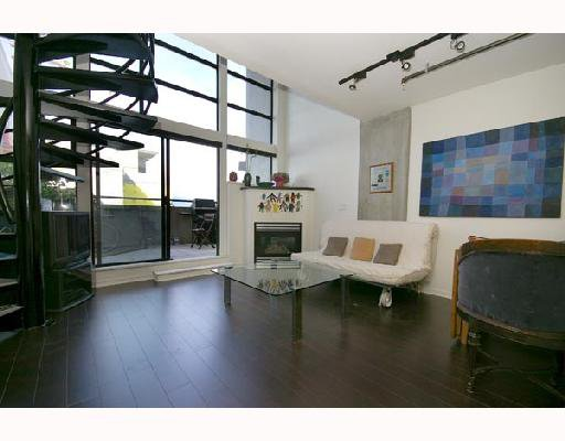"""Main Photo: 313 428 W 8TH Avenue in Vancouver: Mount Pleasant VW Condo for sale in """"XL LOFTS"""" (Vancouver West)  : MLS®# V667228"""
