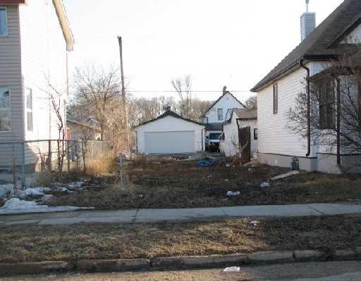 Main Photo: 1450 ELGIN Avenue West in WINNIPEG: Brooklands / Weston Residential for sale (West Winnipeg)  : MLS®# 2804981