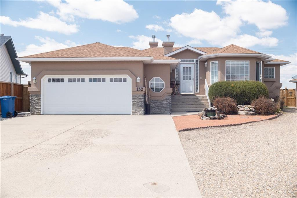 Main Photo: 132 Harrison Court: Crossfield Detached for sale : MLS®# C4296554