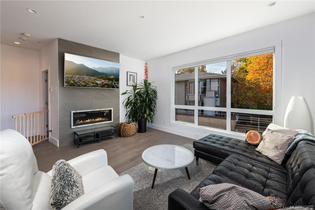 Main Photo: 1 549 Toronto St in Victoria: Vi James Bay Row/Townhouse for sale : MLS®# 842472