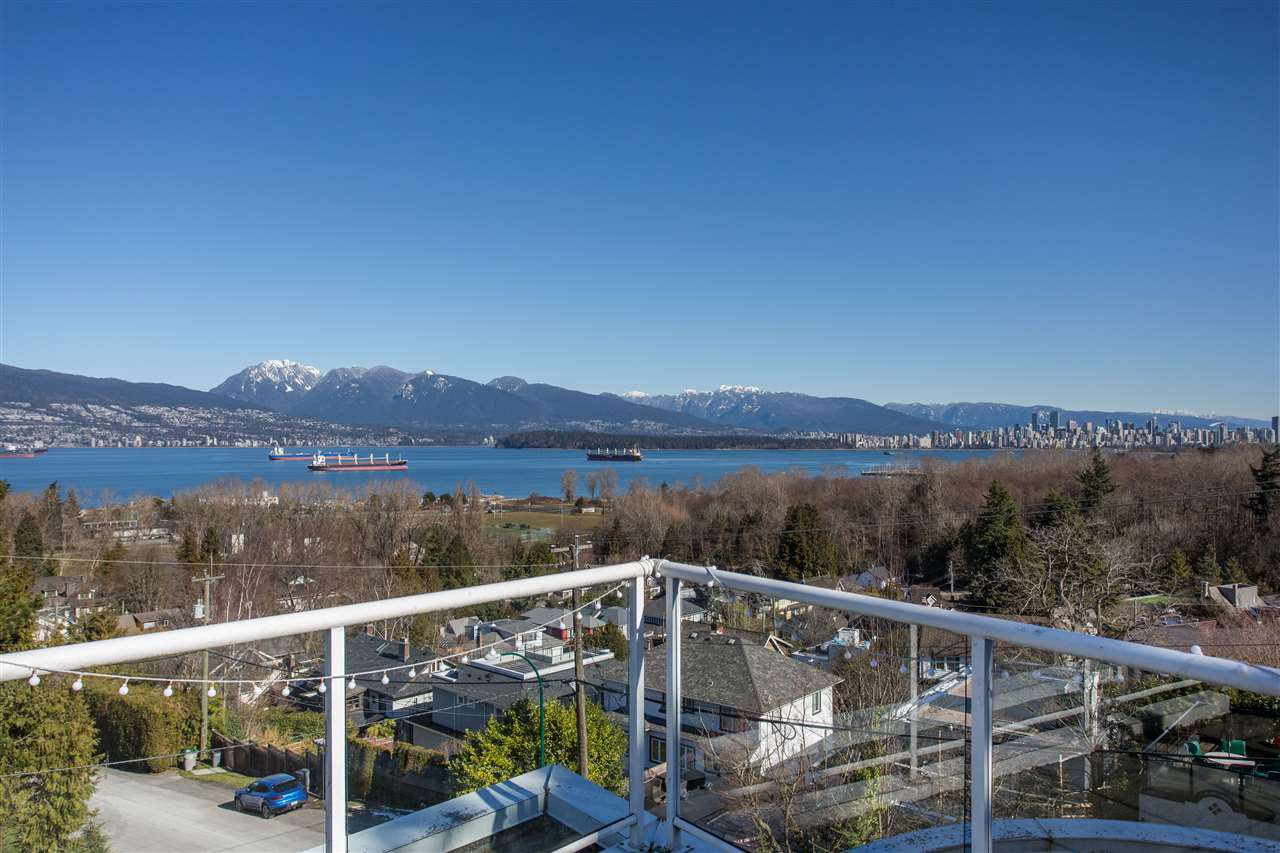 """Main Photo: 1975 TRIMBLE Street in Vancouver: Point Grey House for sale in """"Nth of 4th - Point Grey"""" (Vancouver West)  : MLS®# R2508892"""