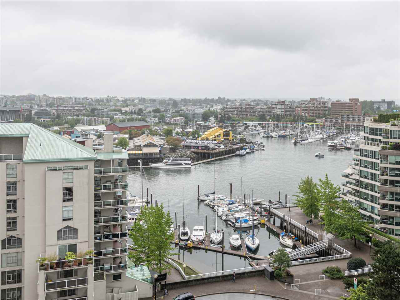 Main Photo: 1204 1500 HOWE STREET in Vancouver: Yaletown Condo for sale (Vancouver West)  : MLS®# R2505786