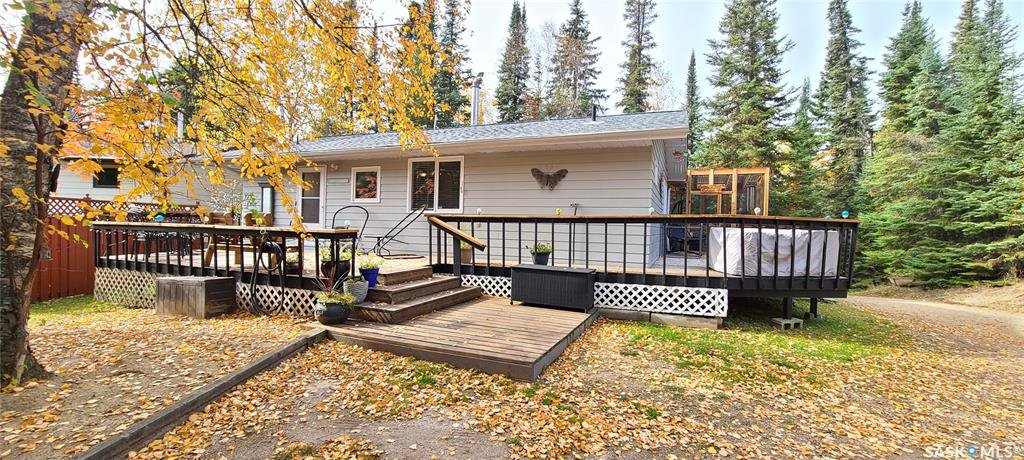 Main Photo: 505 Marine Drive in Emma Lake: Residential for sale : MLS®# SK827978