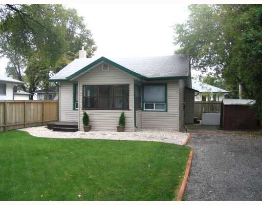 Main Photo: 144 ST VITAL Road in WINNIPEG: St Vital Residential for sale (South East Winnipeg)  : MLS®# 2818505