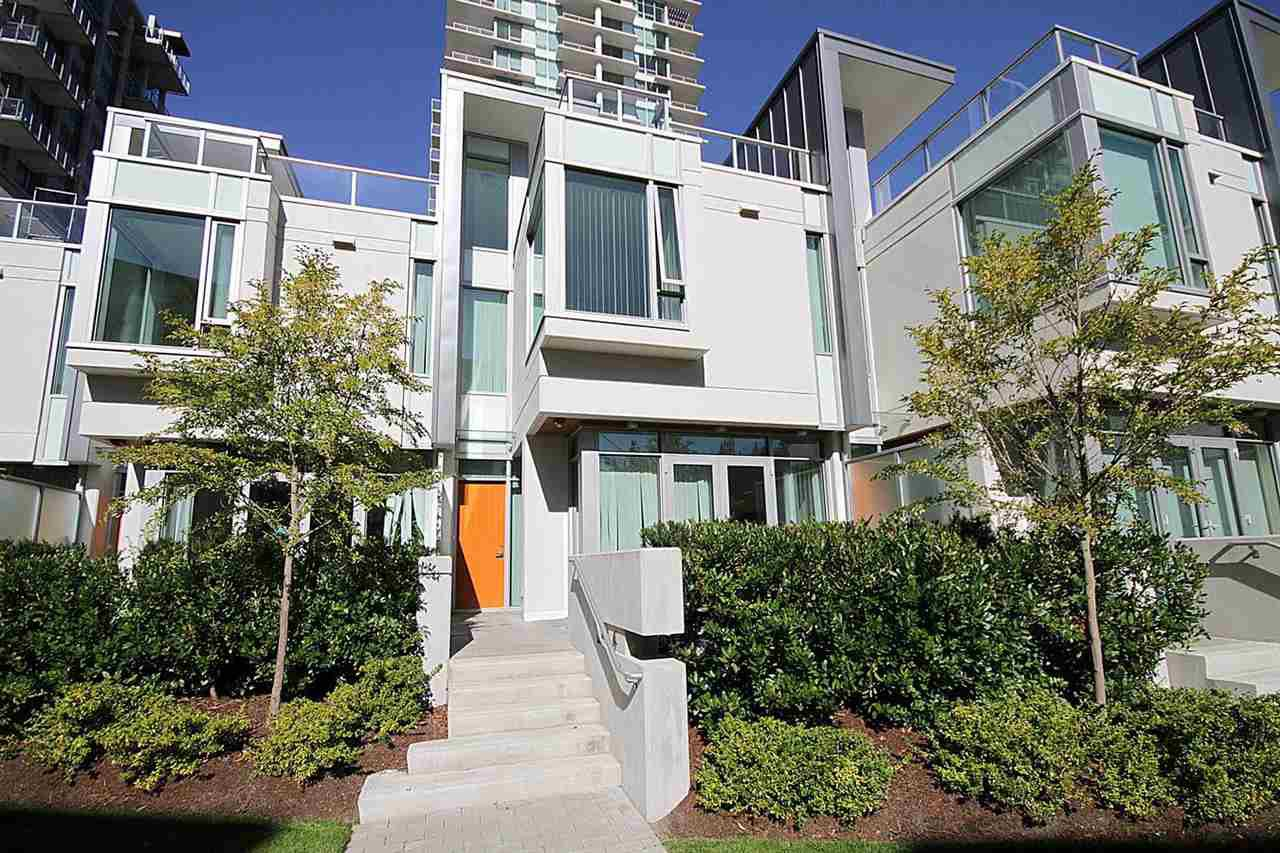 "Main Photo: TH6 5728 BERTON Avenue in Vancouver: University VW Townhouse for sale in ""ACADEMY BY POLYGON"" (Vancouver West)  : MLS®# R2434974"