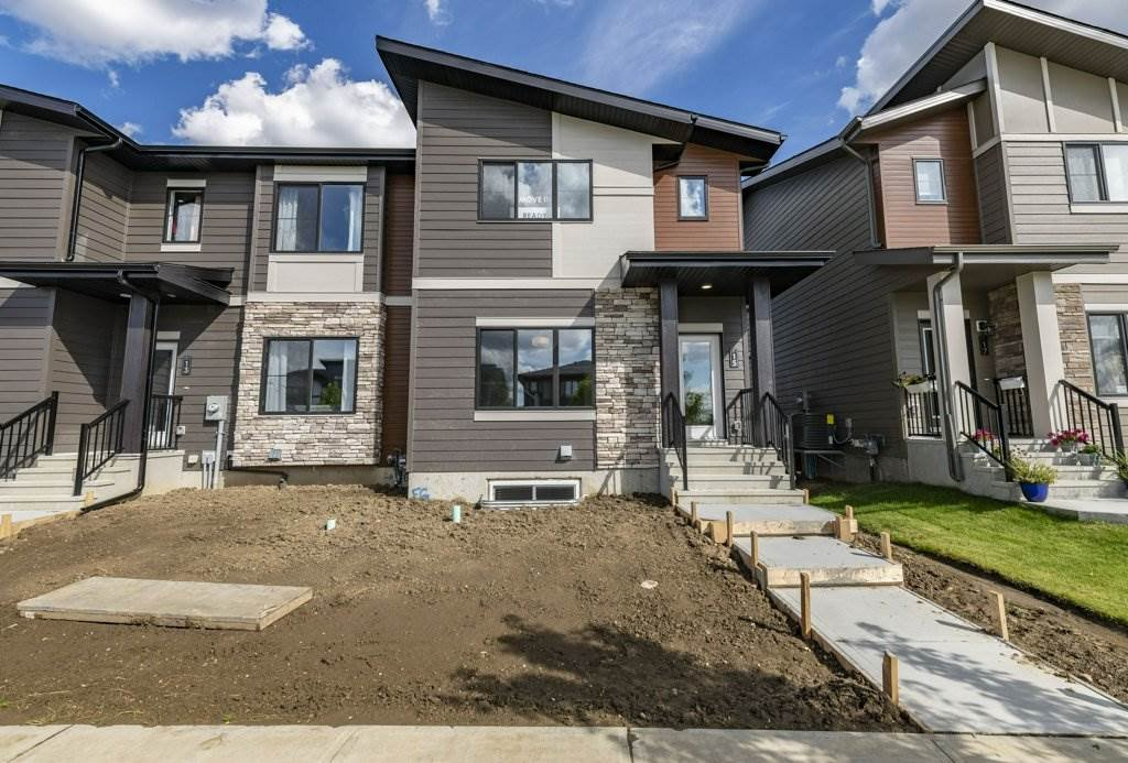 Main Photo: 15 AMESBURY Wynd: Sherwood Park Attached Home for sale : MLS®# E4211695