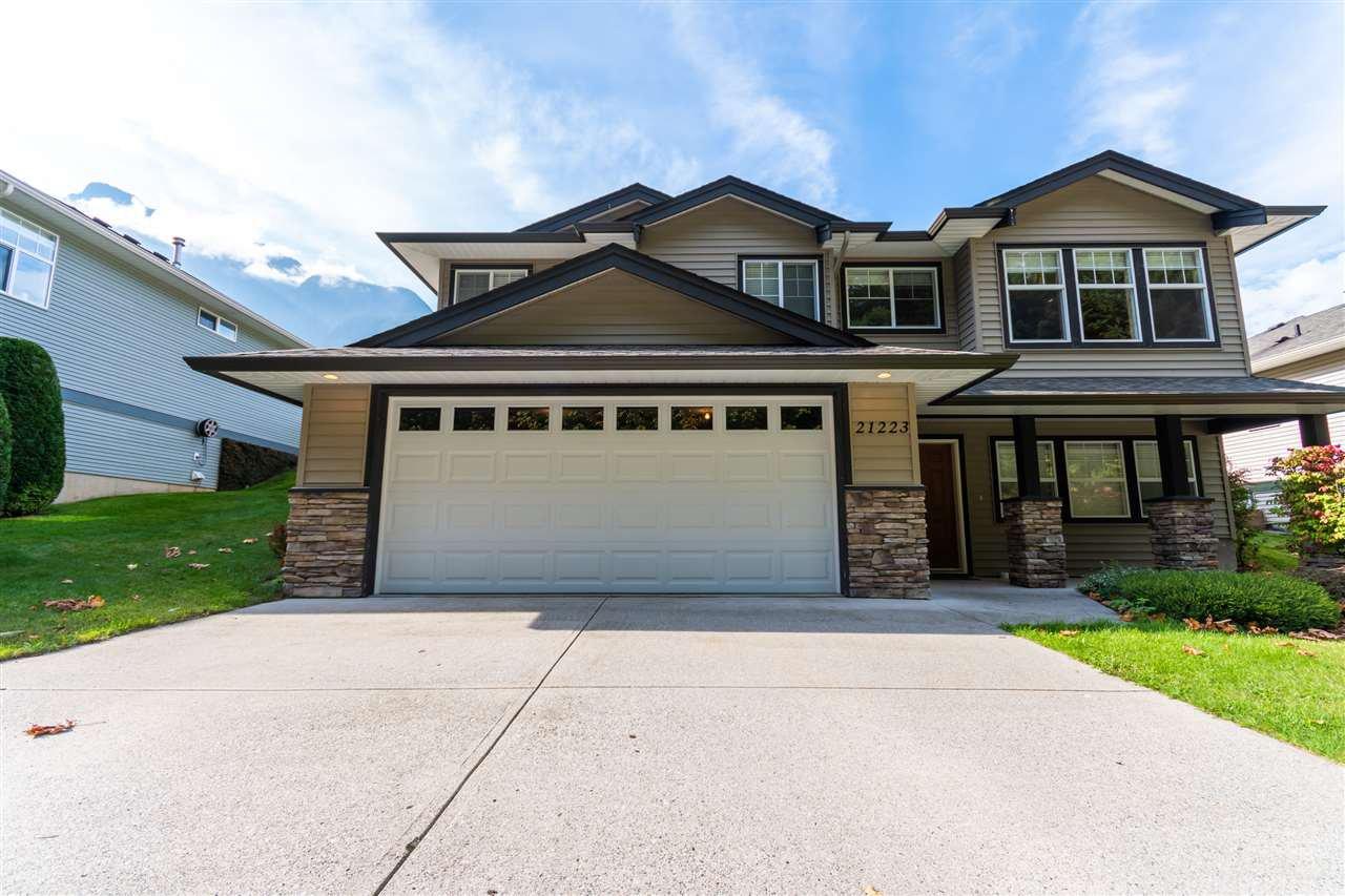 Main Photo: 21223 KETTLE VALLEY Road in Hope: Hope Kawkawa Lake House for sale : MLS®# R2505384