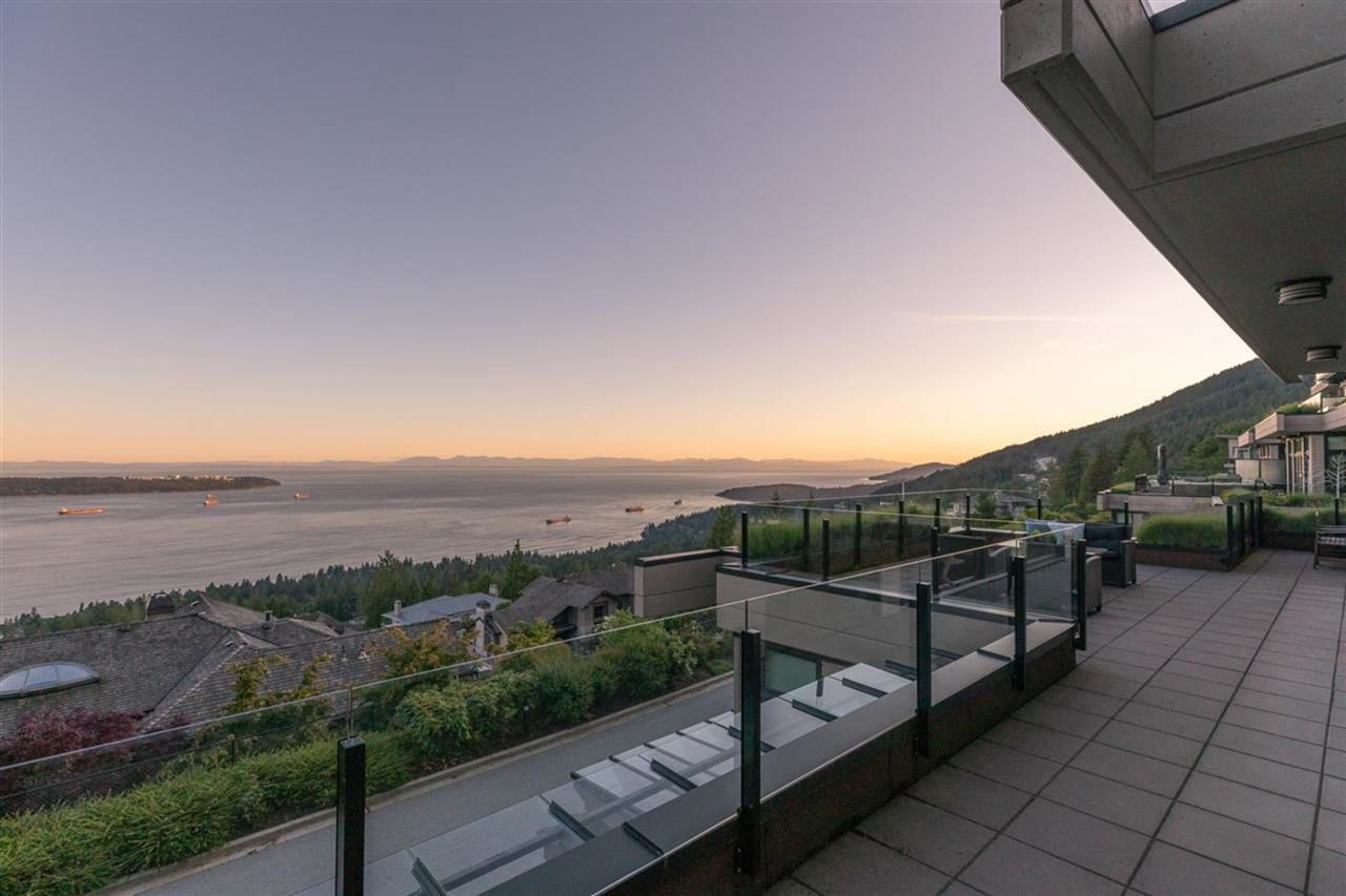 """Main Photo: 2517 HIGHGROVE Mews in West Vancouver: Whitby Estates Condo for sale in """"THE TERRACES AT HIGHGROVE"""" : MLS®# R2511334"""