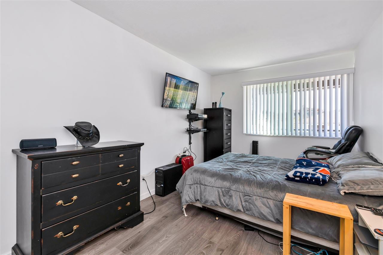 """Photo 11: Photos: 206 2344 ATKINS Avenue in Port Coquitlam: Central Pt Coquitlam Condo for sale in """"River Edge"""" : MLS®# R2478252"""