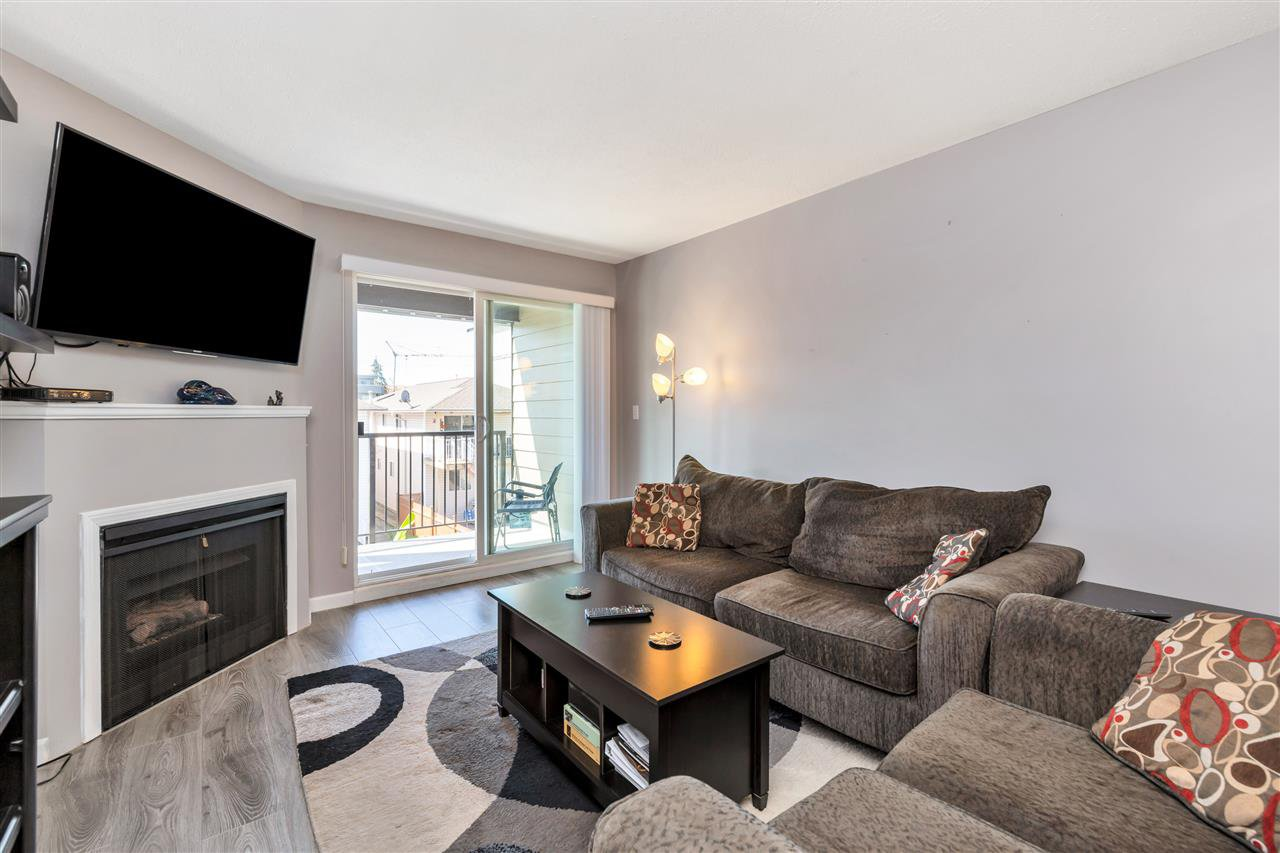 """Photo 5: Photos: 206 2344 ATKINS Avenue in Port Coquitlam: Central Pt Coquitlam Condo for sale in """"River Edge"""" : MLS®# R2478252"""