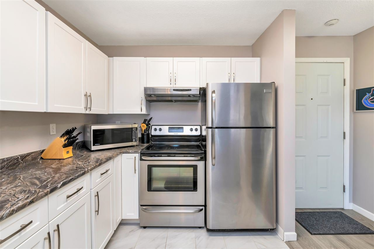 """Photo 8: Photos: 206 2344 ATKINS Avenue in Port Coquitlam: Central Pt Coquitlam Condo for sale in """"River Edge"""" : MLS®# R2478252"""