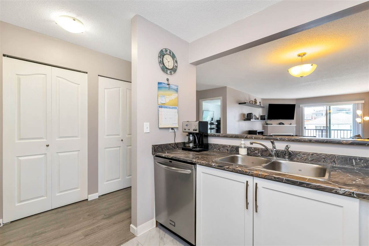 """Photo 9: Photos: 206 2344 ATKINS Avenue in Port Coquitlam: Central Pt Coquitlam Condo for sale in """"River Edge"""" : MLS®# R2478252"""