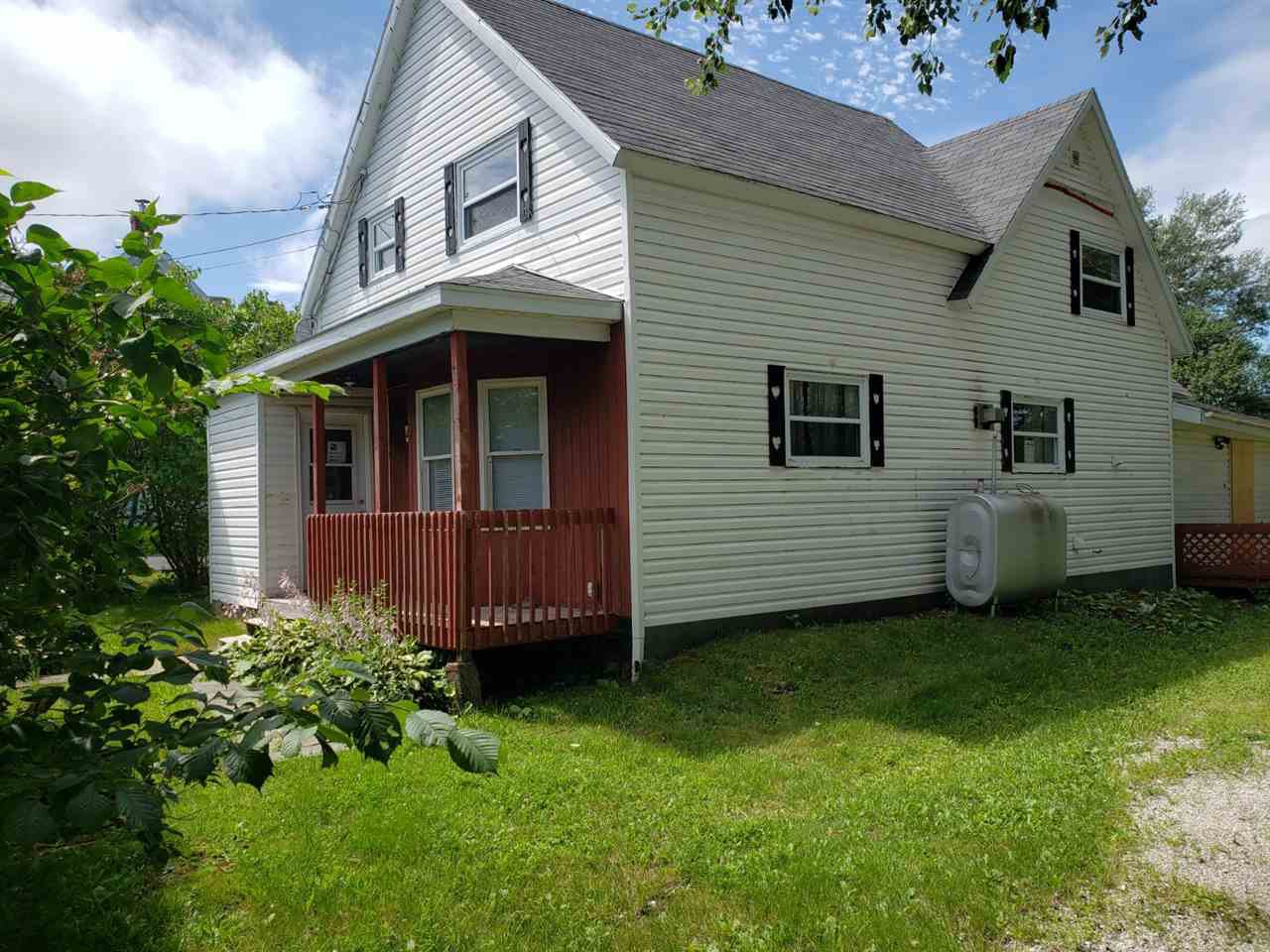 Main Photo: 4 Queen Street in Sydney Mines: 205-North Sydney Residential for sale (Cape Breton)  : MLS®# 202015153