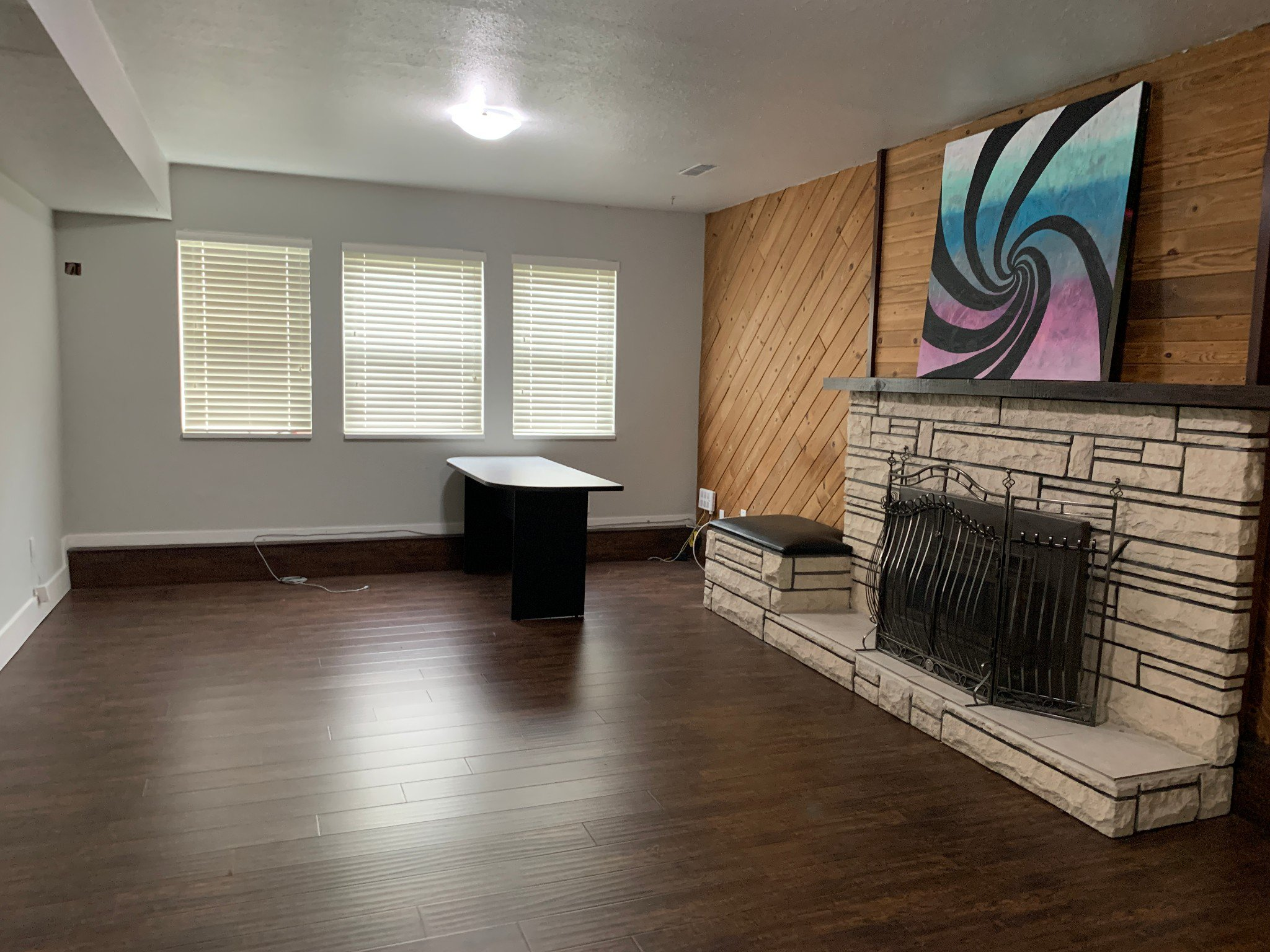 Photo 3: Photos: BSMT 2046 Ridgeway St. in Abbotsford: Central Abbotsford Condo for rent