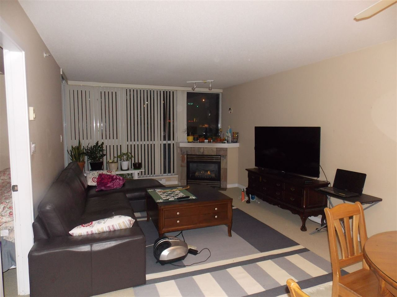 """Photo 2: Photos: 206 235 GUILDFORD Way in Port Moody: North Shore Pt Moody Condo for sale in """"THE SINCLAIR"""" : MLS®# R2512099"""